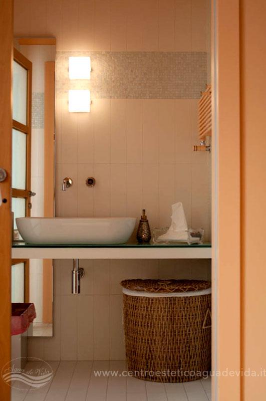 https://www.centroesteticoaguadevida.it/wp-content/uploads/gallery-bagno-turco/bagno-turco-bologna-agua-de-vida-centro-estetico-3859.jpg